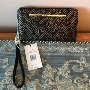 STEVE MADDEN BLK/GOLD PRINTED WALLET RETAIL 48 NWT
